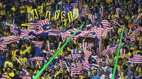 DTVN so bi CDV Malaysia chieu laser, nem phao sang hinh anh