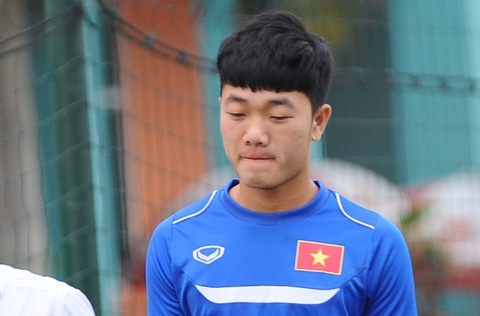 Xuan Truong buon ba nhin cac dong doi nhoi the luc hinh anh