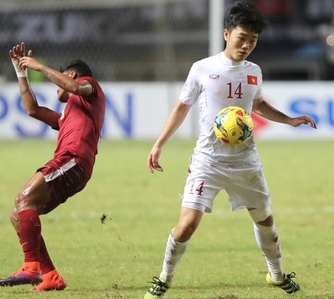 Xuan Truong dong vien Cong Phuong sau tran thua Indonesia hinh anh 6