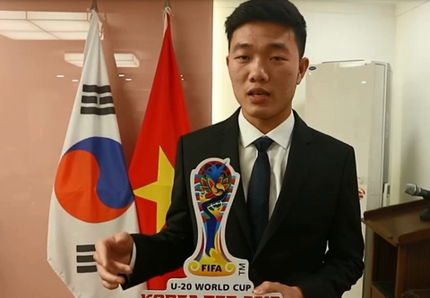 Video Xuan Truong gui loi chuc toi U20 Viet Nam bang tieng Anh hinh anh