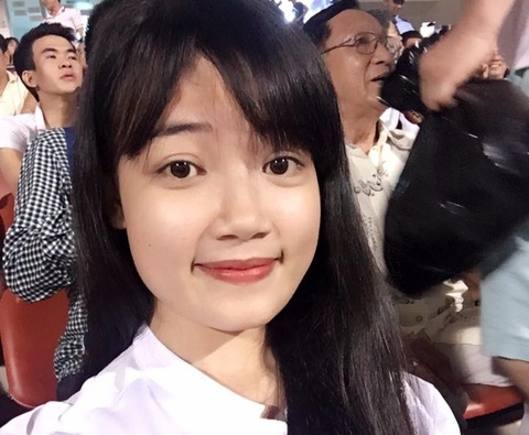 Ban gai Ho Minh Di hat tiep lua U20 Viet Nam hinh anh