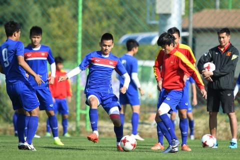 U20 Viet Nam tap da voi 2 tien dao truoc tran gap U20 Honduras hinh anh