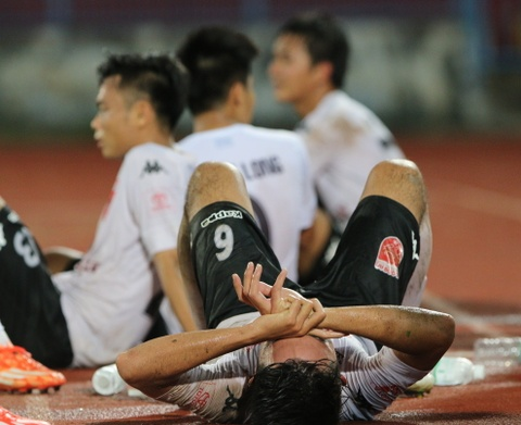 Cau thu Long An suy sup sau tran thua nguoc Hai Phong hinh anh 7