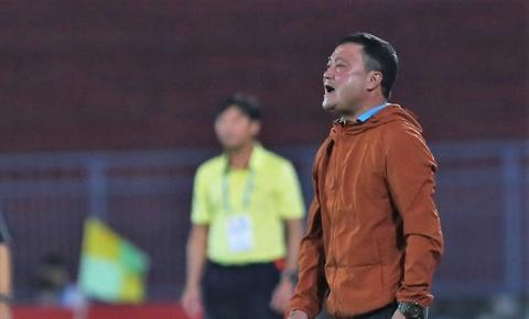 HLV Truong Viet Hoang chia tay CLB Hai Phong hinh anh