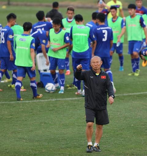 Phi Minh Long lam tro ly HLV thu mon o U23 Viet Nam hinh anh 10