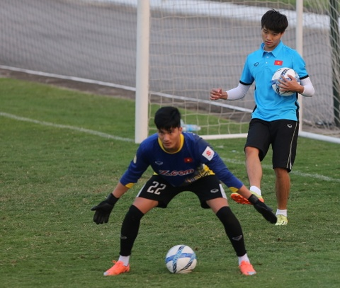 Phi Minh Long lam tro ly HLV thu mon o U23 Viet Nam hinh anh 4