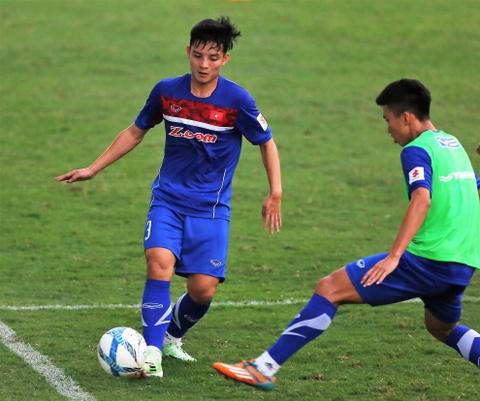 Phi Minh Long lam tro ly HLV thu mon o U23 Viet Nam hinh anh 9