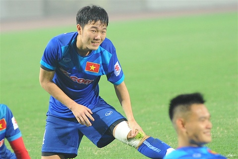 Xuan Truong mang bang doi truong U23 Viet Nam hinh anh
