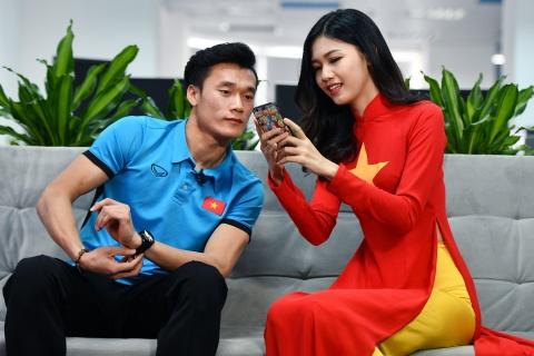 Mot status quang cao cua thu mon Tien Dung gia 2.500 USD sau giai U23? hinh anh