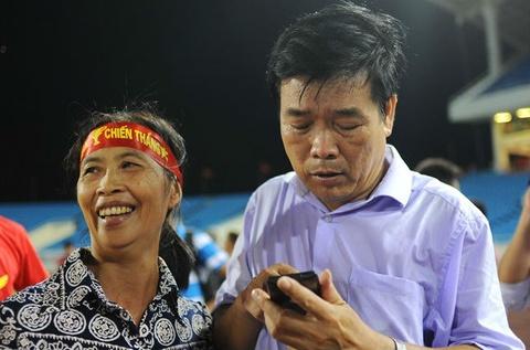 Me Cong Phuong hua mo trau khao toan doi tuyen U19 Viet Nam hinh anh