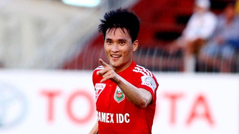 Cong Vinh ghi ban cho B.BD: Phan thuong cho no luc het minh hinh anh