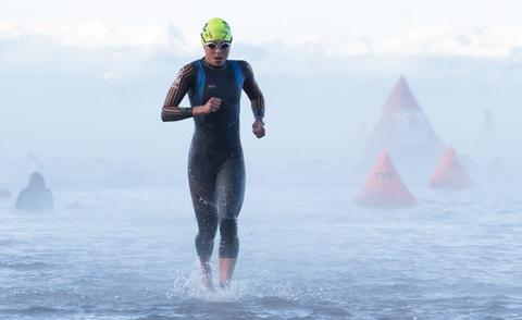 'Ironman 70.3 tai Da Nang se thuc day mon triathlon o VN' hinh anh