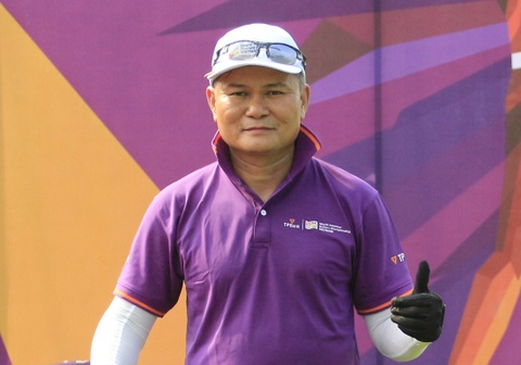 Golfer Ngoc Duong gianh 1,8 ty dong sau cu hole-in-one hinh anh