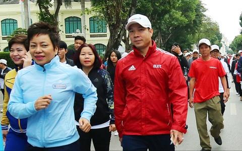 Hoang Xuan Vinh du Ngay chay Olympic o Ha Noi hinh anh