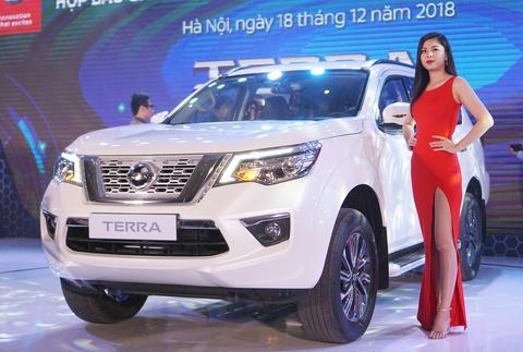 Những mẫu SUV 7 chỗ nặng ký chờ đón tân binh Nissan Terra