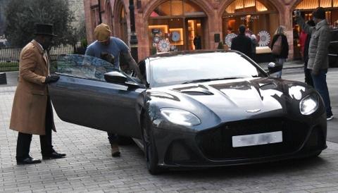 David Beckham sam them xe khung Aston Martin DBS Superleggera hinh anh
