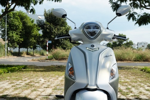 Danh gia Yamaha Grande Hybrid - ban nang cap thuc dung cho phai dep hinh anh 2