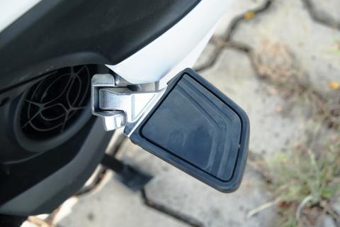 Danh gia Yamaha Grande Hybrid - ban nang cap thuc dung cho phai dep hinh anh 3