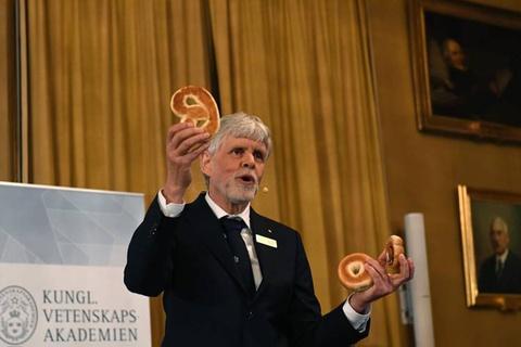 Truong dai hoc cua giao su nhan giai Nobel Vat ly 2016 hinh anh 1