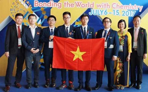Doan Viet Nam doat 3 huy chuong vang Olympic Hoa hoc quoc te 2017 hinh anh