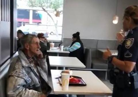 McDonald's duoi nguoi vo gia cu bi phan ung gay gat tren mang hinh anh