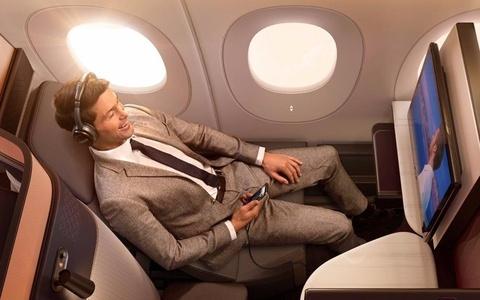 Ben trong khoang thuong gia cua Qatar Airways hinh anh