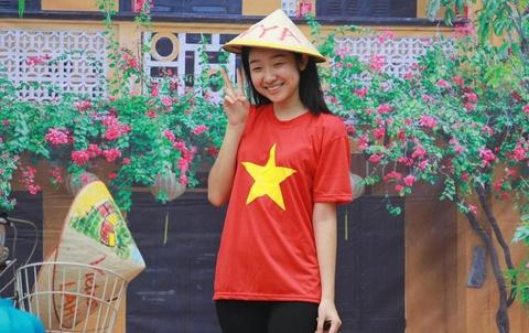 Tet Trung thu di de tro ve cua du hoc sinh Viet Nam tai Singapore hinh anh