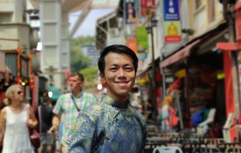 Sinh vien Viet Nam o Singapore: Dai dich lam minh them truong thanh hinh anh