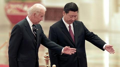 Buc tranh doi ngoai thoi Biden dan thanh hinh sau mot thang hinh anh
