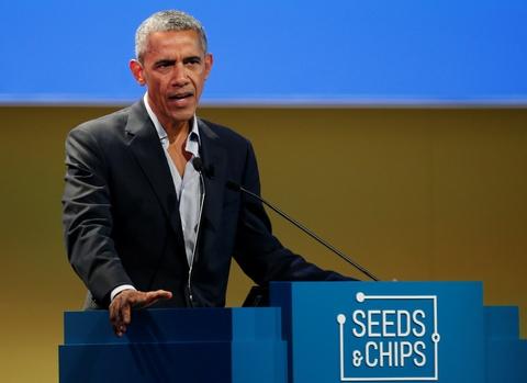 Obama xuat hien day phong cach o kinh do thoi trang Milan hinh anh 2