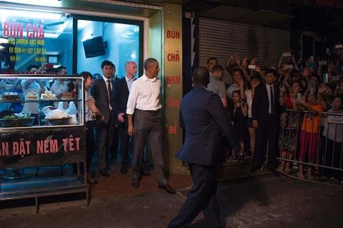 22 nam Viet - My: Tu cai bat tay cua Bill Clinton den bun cha Obama hinh anh 12