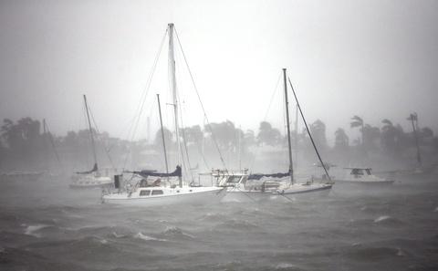 Irma khien Florida nhu o 'vung toi mat trang', it nhat 3 nguoi chet hinh anh 3
