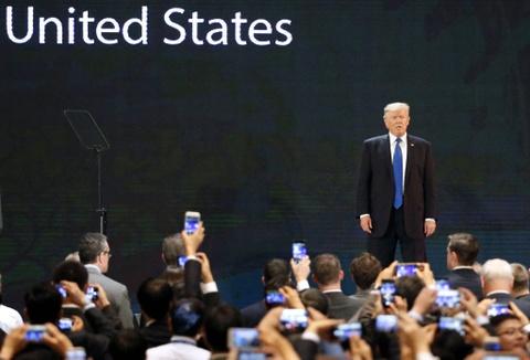 Tu 'marathon' TPP den TT Trump: Nhung diem nhan cua tuan APEC 2017 hinh anh 3
