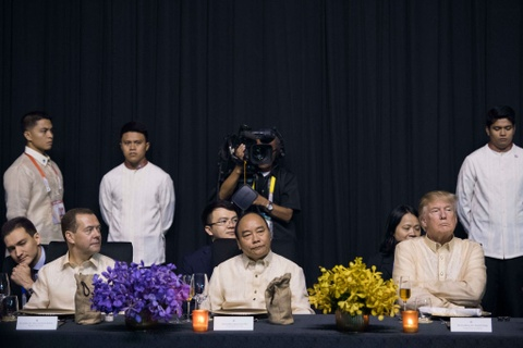 Trump, Trudeau va lanh dao ASEAN du yen tiec tai Philippines hinh anh 8