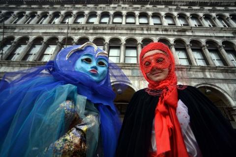 Le carnival phu phiem tru danh cua thanh pho Venice hinh anh