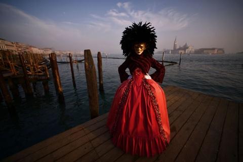 Le carnival phu phiem tru danh cua thanh pho Venice hinh anh 4