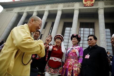 Khai man Luong hoi TQ: Khong dien thoai, khong nghi ngoi, khong y kien hinh anh 5