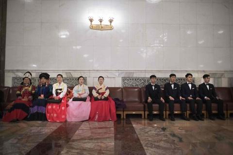 Khai man Luong hoi TQ: Khong dien thoai, khong nghi ngoi, khong y kien hinh anh 8