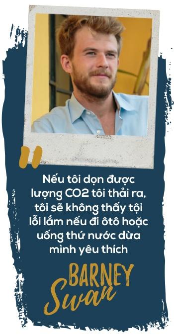 Chang trai di bo toi Nam Cuc de 'bot co loi voi Trai Dat' hinh anh 9