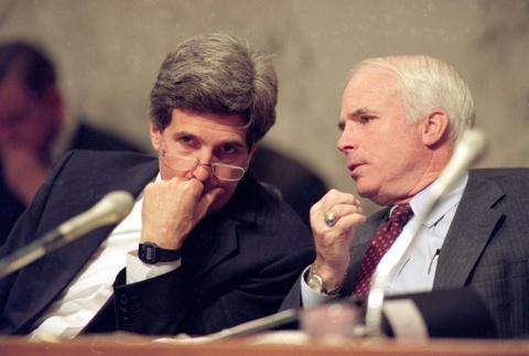 The he John McCain ra di, quan he Viet - My se thay doi mai mai hinh anh 2