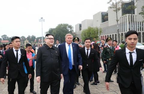 Trump - Kim gia nao dong trung tam Ha Noi, bi 'tong' khoi khach san hinh anh 8