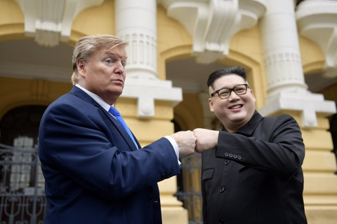 Trump - Kim gia nao dong trung tam Ha Noi, bi 'tong' khoi khach san hinh anh 5