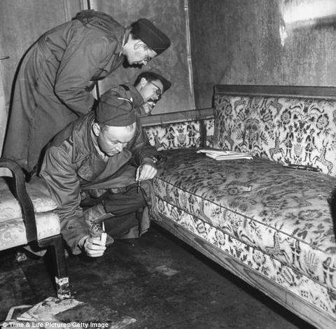 Ben trong ham bi mat Hitler va tinh nhan tu sat hinh anh