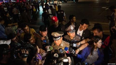 Pho thu tuong Thai: Vu danh bom nham pha hoai nen kinh te hinh anh