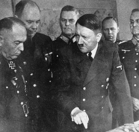 15 dieu it biet ve trum phat xit Duc Adolf Hitler hinh anh