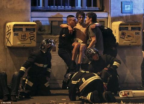 IS toan tinh gi khi gay vu khung bo dam mau o Paris? hinh anh