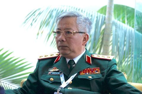 Tuong Nguyen Chi Vinh tra loi viec moi tau TQ vao Cam Ranh hinh anh