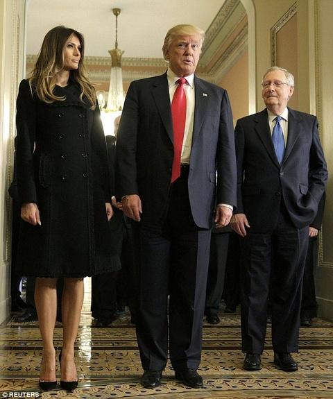 Ngay ban ron dau tien cua phu nhan Trump o Washington hinh anh 2