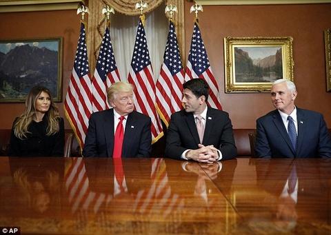 Ngay ban ron dau tien cua phu nhan Trump o Washington hinh anh 6