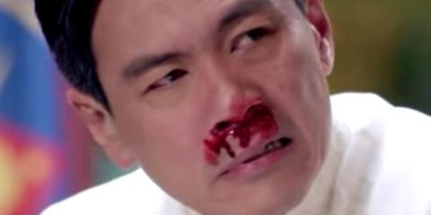 Philippines tuc gian vi 'tong thong' bi dam chay mau trong phim My hinh anh